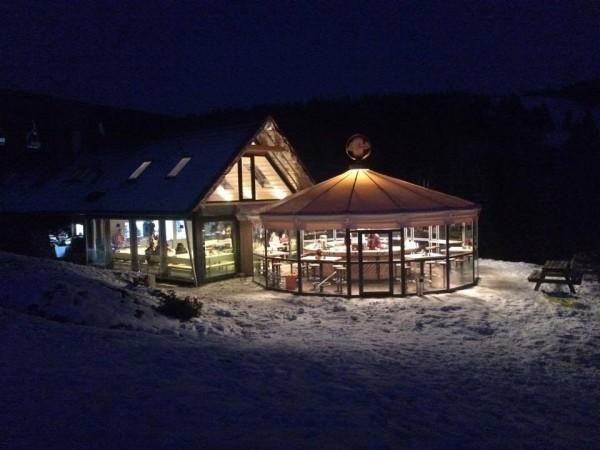 Večerná zábava a tancovačka v Aprés Ski bare La Gamba